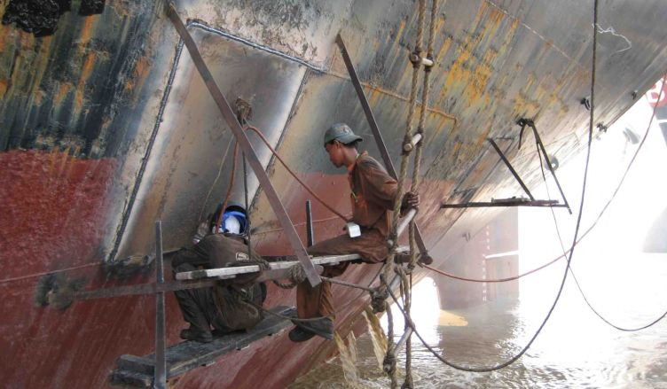 SERVICE Repairs, fabrication and installation 2 ship_repair_1